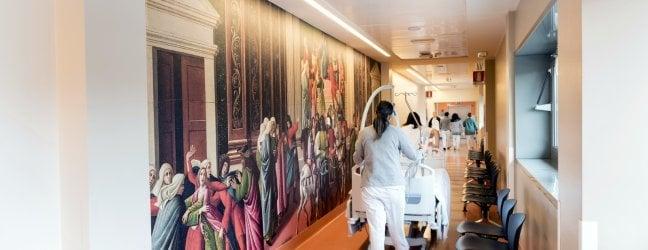 Raffaello in sala d'attesa e Lotto allo sportello: ospedali ad arte