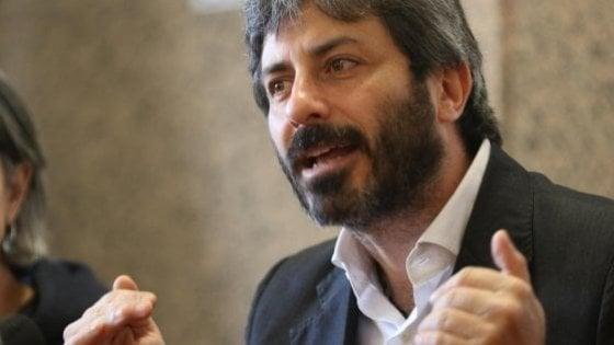 """Dl sicurezza, Fico ammette: """"Ho preso le distanze dal decreto"""". Botta e risposta con Salvini"""