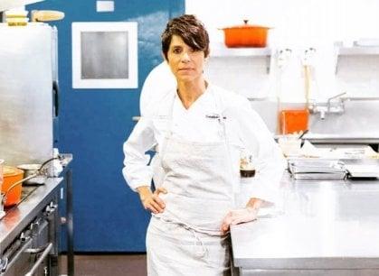 Oltre il tetto di cristallo: Dominique Crenn è la prima chef americana con Tre stelle Michelin