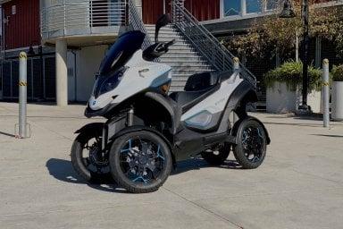 E-Qooder, lo scooter a quattro ruote diventa elettrico