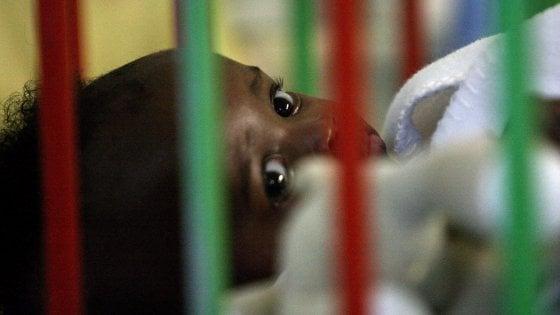 Aids al via sperimentazione in 3 continenti del primo vaccino terapeutico per i bambini