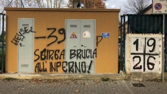 Fiorentina-Juve: fuori dal Franchi scritte contro Scirea e vittime dell'Heysel
