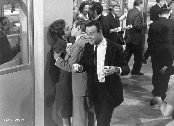 'L'appartamento' di Billy Wilder, Natale e Capodanno con Jack Lemmon e Shirley MacLaine