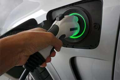 Mobilità elettrica al palo, le proposte di Motus-E