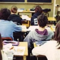 Scuola, alle superiori sempre più studenti disertano l'ora di religione