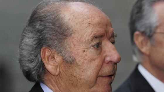 Barcellona, è morto Nunez: fu presidente per 22 anni. Prese Maradona e Ronaldo