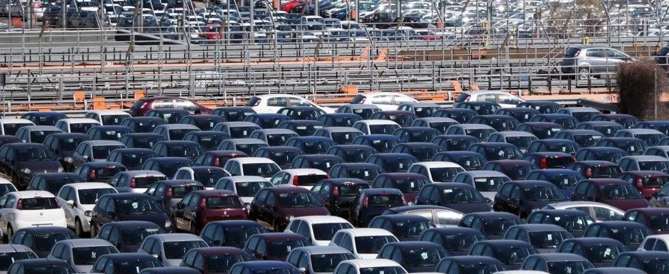 Mercato auto, a novembre vendite in calo del 6,3%. Crolla il ...