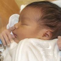 Quanto dura il primo raffreddore dei bimbi? Dipende dai microbi del naso