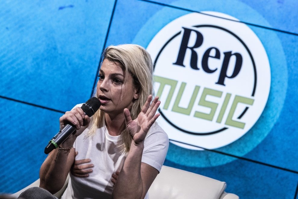 Rep Music, Emma Marrone con gli studenti. Per parlare di cancro