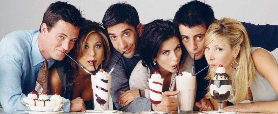 'Friends', la protesta social fa desistere Netflix: la sitcom non verrà più cancellata