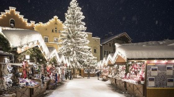 Mercatini Di Natale A Bolzano Foto.Natale A Bolzano Tra Mercatini E Feste Repubblica It