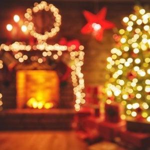 Foto Di Luci Di Natale.Albero E Luci Di Natale I Consigli Per Addobbare Casa In