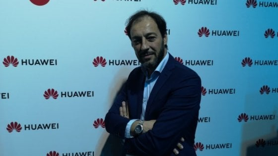"""Tra lo """"scontro"""" con Trump e una crescita super: il mercato secondo Huawei"""