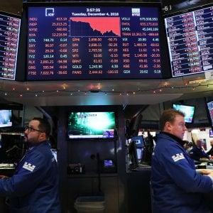 Borse in rosso dopo Wall Street. Lo spread sotto i 280 punti