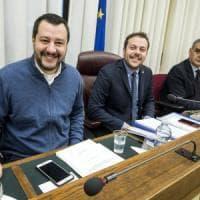 Migranti, l'aut aut di Salvini: