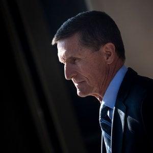 """Russiagate, """"Michael Flynn ha collaborato, non finisca in carcere"""". La richiesta del procuratore speciale Mueller"""