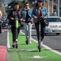 Manovra, in ufficio in monopattino: un emendamento per la micromobilità sostenibile