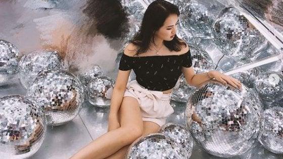 Sorelle diverse: mentre Sabrina Meng Whanzou viene arrestata in Canada, Annabel Yao è al ballo delle debuttanti a Parigi
