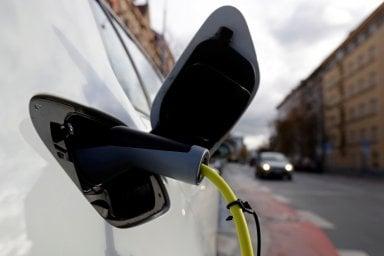 MOTUS-E, anche l'associazione delle auto elettriche chiede modifiche al progetto di incentivi