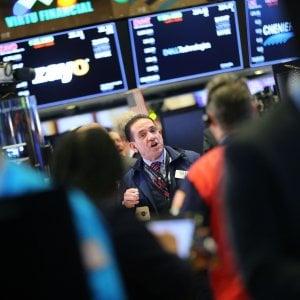 Le Borse rimbalzano con la cautela della Fed. Spread in netto calo sotto i 290 punti