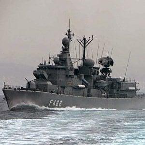 La Grecia vara il crowdfunding per comprare le navi da guerra