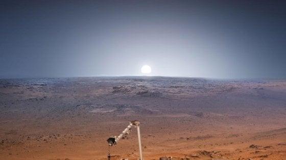 Insight su Marte: il  braccio robotico fa stretching per iniziare missione