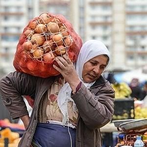 Turchia, la guerra di Erdogan contro i coltivatori: State nascondendo le cipolle