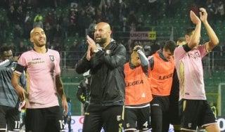 Serie B: il Palermo resta solo in vetta, Lecce frenato dal Perugia