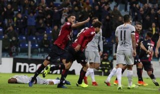 Cagliari-Roma 2-2, Ionita e Sau riprendono i giallorossi