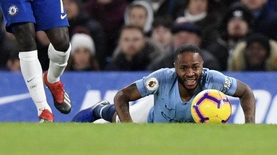 """Manchester City, Sterling contro i media britannici: """"Alimentano il razzismo"""""""