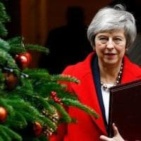 Brexit, settimana decisiva per la May. La Manovra cambia pelle al Senato