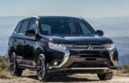 "Mitsubishi Outlender PHEV miglior ""Alternative Powertrain"""