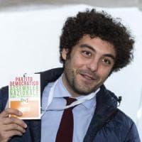 """Primarie Pd, ecco Corallo, l'outsider che parla ai giovani: """"Questi dirigenti ci..."""