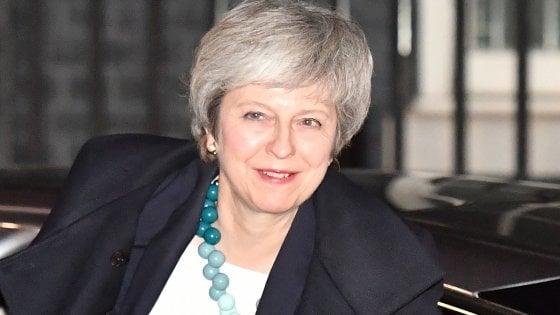 """Brexit, Germania e Ue gelano Theresa May: """"Non si riapre il negoziato"""""""