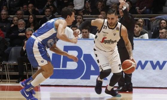 Basket, serie A: Milano suona la nona sinfonia, Varese sorprende Venezia