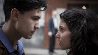 'L'amica geniale', schermaglie d'amore: Lila, Lenù e gli uomini che girano intorno · foto