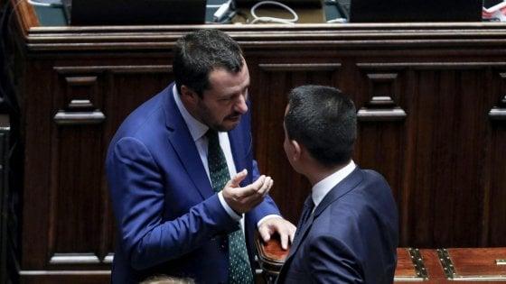 """Inchiesta Lega, Di Maio: """"Chiederò a Salvini, non bisogna minimizzare"""". La replica: """"Mi cadono le braccia"""""""