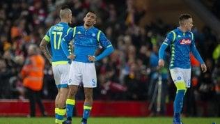 Champions amara, fuori due italiane. Salah punisce il Napoli.L'Inter si butta via, solo pari con il Psv