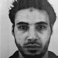Attentato mercatino di Natale a Strasburgo, il terrorista Chérif Chekatt sfuggito per tre...