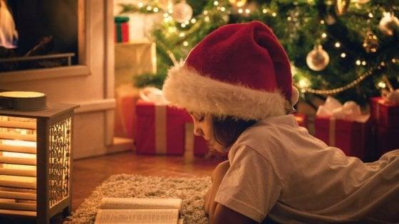 Regali Di Natale Piu Gettonati.Natale Abbigliamento E Libri Tra I Regali Piu Gettonati