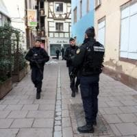 Strasburgo, è caccia al killer dopo la strage. Tre morti, 16 feriti. Quattro fermati