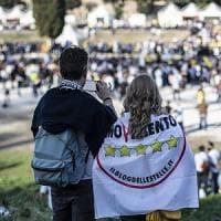 """Blog delle Stelle, l'appello agli iscritti: """"Segnalateci chi viola i principi del..."""
