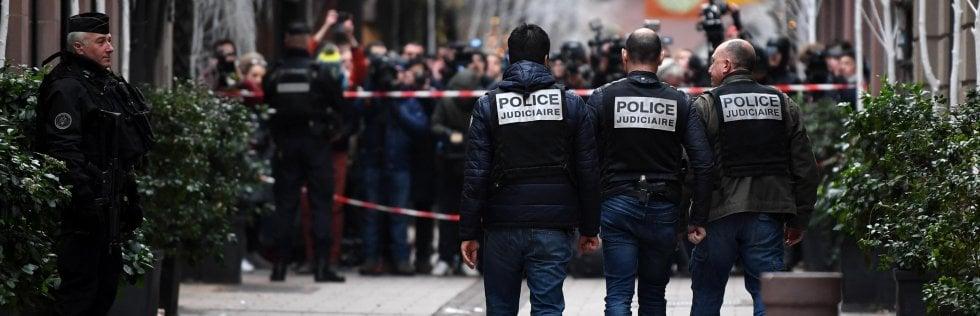 """Strasburgo, quattro fermi per la strage al mercatino di Natale.Killer ferito e in fuga. Ha gridato """"Allah Akbar"""" Speciale"""