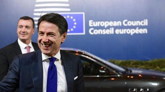 Vertice Ue sulla manovra, vicepremier silenziosi al termine della cena con Conte