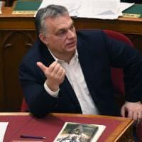 "Ungheria, Orbán vara la nuova legge sul lavoro. I sindacati: ""Schiavitù"""