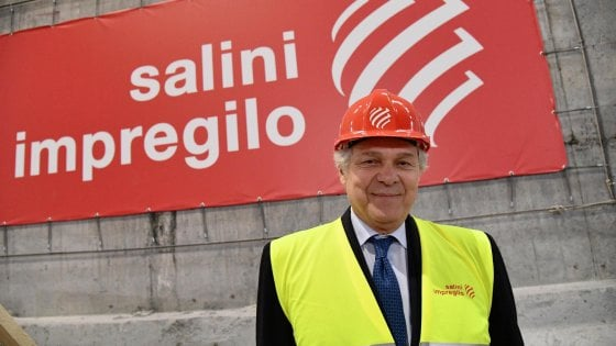 L'amministratore delegato di Salini Impregilo, Pietro Salini, a margine della messa per Santa Barbara celebrata nelle galleria in costruzione del Terzo Valico, Genova, 04 dicembre 2018.