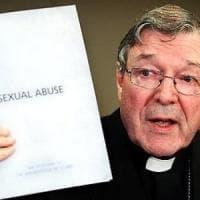 """Vaticano, Pell """"congedato"""" dal Consiglio dei cardinali. Dall'Australia: condannato per..."""