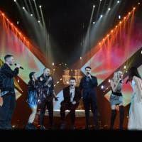 X Factor 12, la finale tra duetti e lacrime