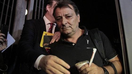 Il Brasile chiede l'arresto di Cesare Battisti. Firmata l'estradizione, ma lui è latitante