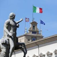 """Mattarella """"sfratta"""" i 43 superinquilini del Colle: a palazzo San Felice la biblioteca..."""